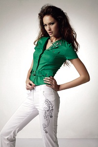 Post image for Минимум швов на одежде – фишка и способ самовыражения.