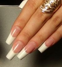 Акрил або гель для нігтів
